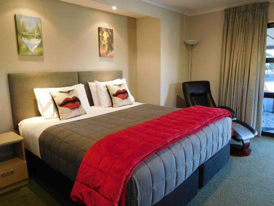 Brydan Accommodation: Exec. Suite - Unit 11- Top Bed