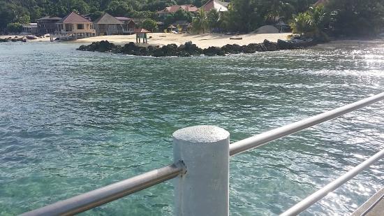 Sun Beach Resort: View of hotel from pier