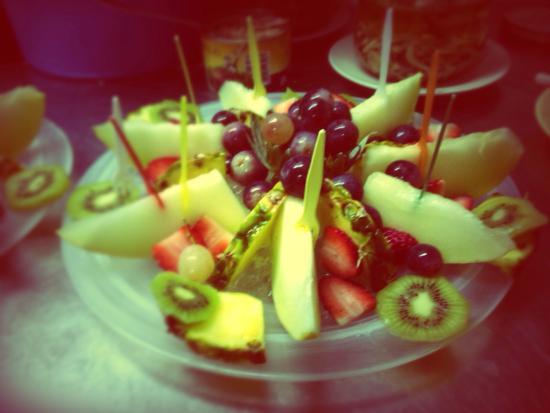 Splendidi piatti di frutta picture of l aragonese for Aragonese cuisine