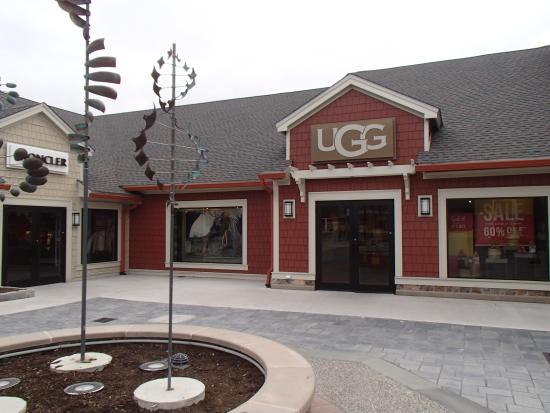 Woodbury Common Premium Outlets: UGG