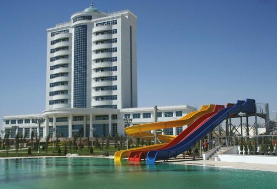 Turkmenbashi, Turkmenistan: Back view from the hotel pool area