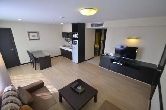 the city sriracha hotel pdf