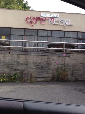 Cafe Regal: Opening time 8::30 but open @ 9Am