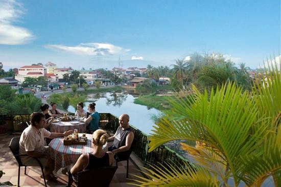 Siem Reap Riverside: Rooftop Restaurant