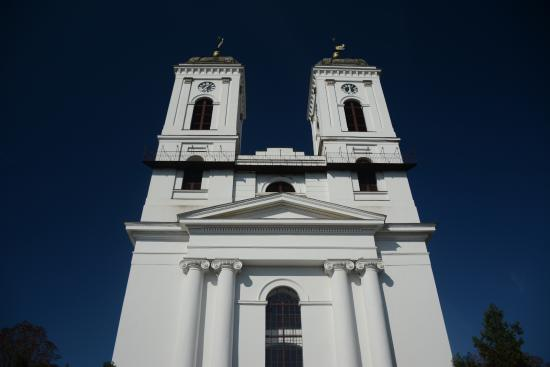 Kunhegyes, Hungary: református templom, homlokzat