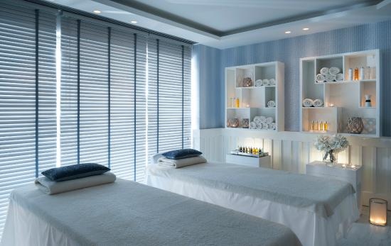 Treatment room for couples