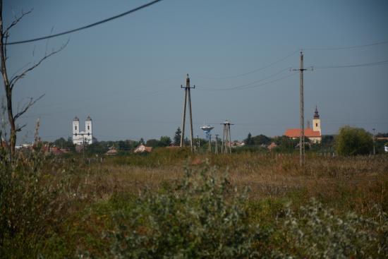 Kunhegyes, Hungary: város látképe a madarasi útról