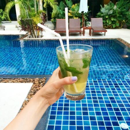 Baan Sawan Samui Resort: Mojito + piscine