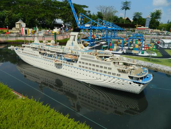 Cruise Ship One Of The Largest Lego Ships Ever Built Picture Of - Biggest lego ship
