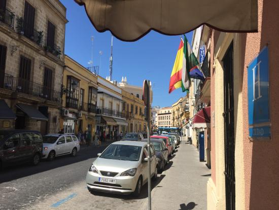 Hotel Nova Centro: Calle del Hotel
