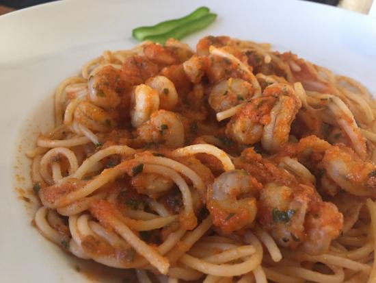 Pasta Baladin: Pasta con salsa de tomate y gambas