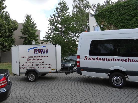 Genthin, Alemania: сзади отеля