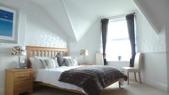 Glyn-y-Coed Hotel
