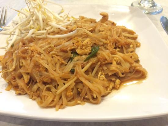 Napasorn Thai Restaurant: Chicken Pad Thai