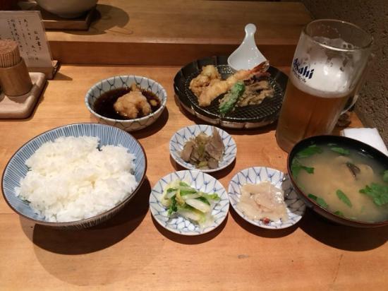 正しい配膳のポイント10個|シーンに応じたテーブルマナー