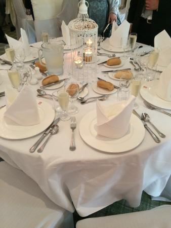 Moorpark House Hotel: Lovely decorated tables