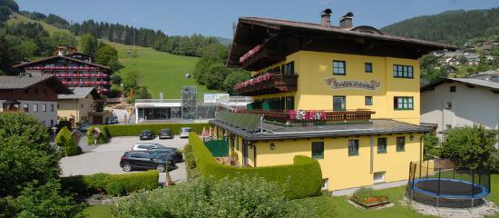 Hotel Garni Pension Hubertus: Garten