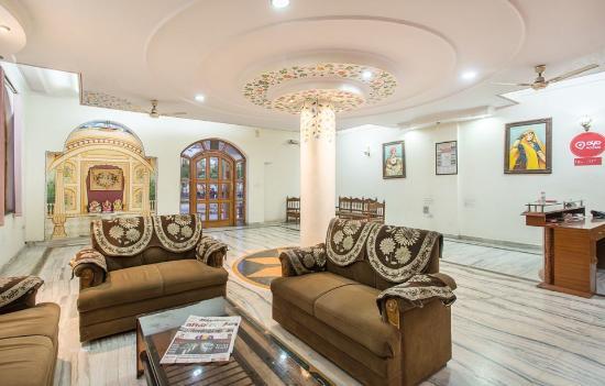 Hotel Madhav Palace