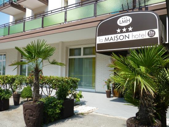 Ingresso hotel foto di la maison hotel jesolo tripadvisor for La maison hote