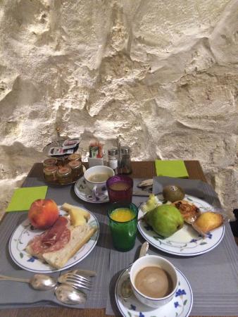 Le Relais des Halles: Breakfast