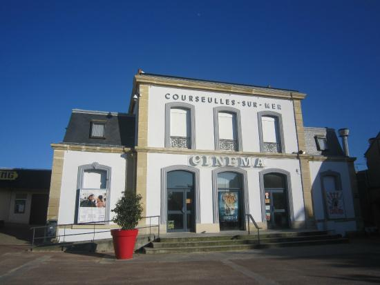 Cin ma de la gare picture of office de tourisme de - Office du tourisme courseulles sur mer ...
