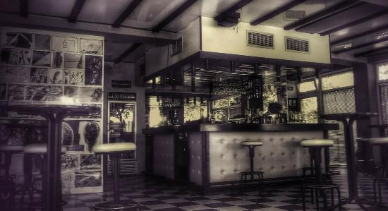 Chillin' Bar