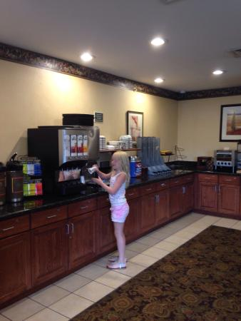 Country Inn & Suites by Radisson, Lake George (Queensbury), NY: photo1.jpg