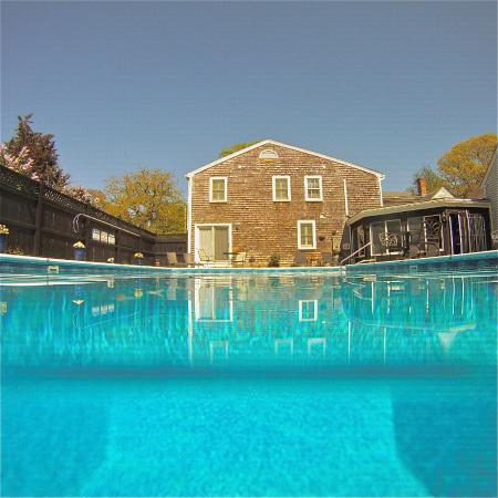 West Harwich, MA: Refreshing pool of the Platinum Pebble Boutique Inn