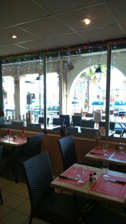 palourde picture of restaurant tarantella port de bouc