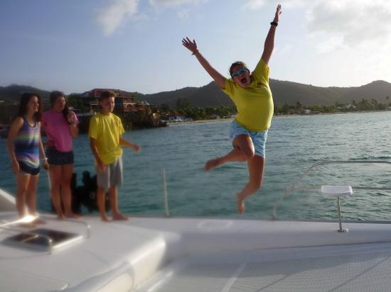 Oyster Pond, St-Martin/St Maarten: Jumping for joy at sea!