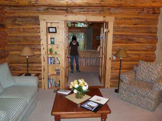 Wildflower Lodge at Jackson Hole: Wildflower Inn Glacier Lily Suite 02