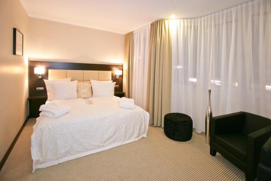 Zi Hotel & Lounge : Jr. Suite