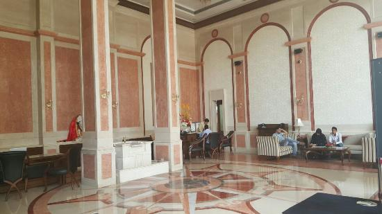 Royal Tulip Navi-Mumbai : Hotel's Lobby