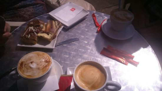 Spurreli: Lovely coffee and cake