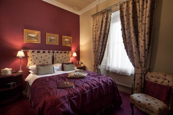 Allandale House: Double Bedroom En-suite