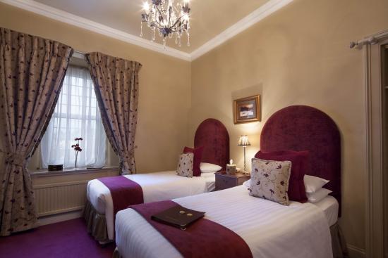 Allandale House: Twin Room En-suite