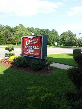 Library Tavern, Williamsburg - Menu, Prices & Restaurant Reviews ...