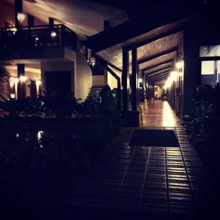 Lobby Hall Way & Rooms