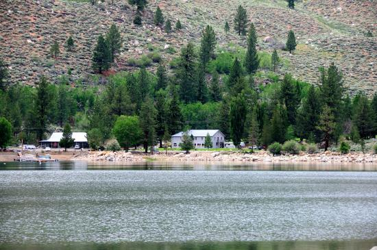 Lower Twin Lake Picture Of Twin Lakes Resort Bridgeport