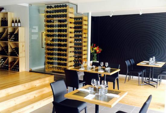 int rieur photo de l 39 empreinte cuisine soignee sherbrooke tripadvisor. Black Bedroom Furniture Sets. Home Design Ideas