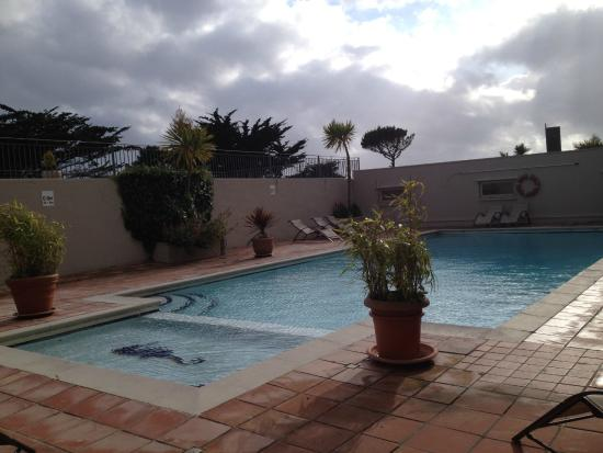 Pool picture of hotel california newquay tripadvisor for Hotels with swimming pools in cornwall