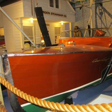 Door County Maritime Museum: Vintage wooden boat