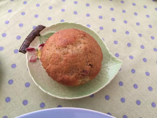 Traditions Guest House: Pattis' freshly baked muffin