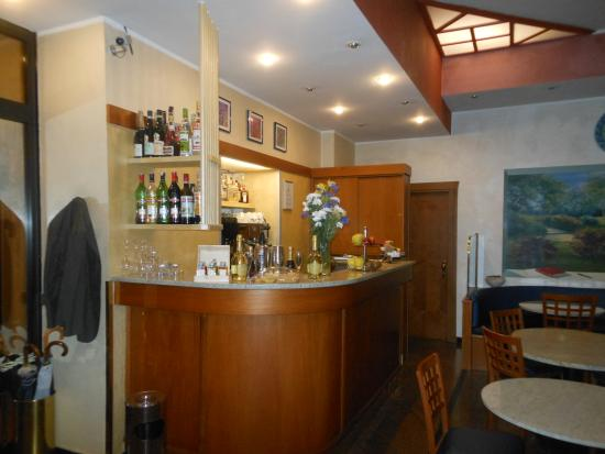 angolo bar - Picture of Hotel Piacenza, Milan - TripAdvisor