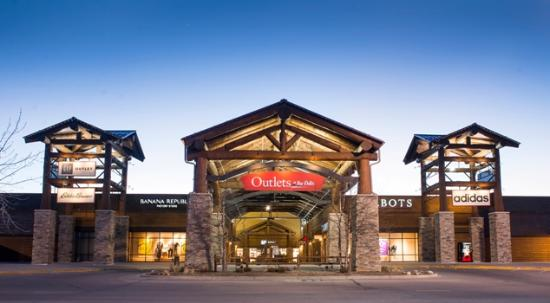 Outlets at The Dells