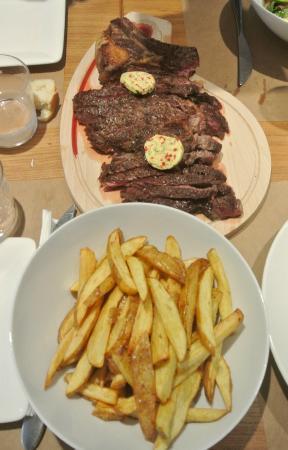 Hotel de la Nivelle : Cote de beouf pour 2;))))) It melts in your mouth.. Have it rare, it's beautiful;))