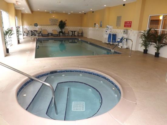 Country Inn & Suites By Carlson, Ocala: POOL & SPA AREA