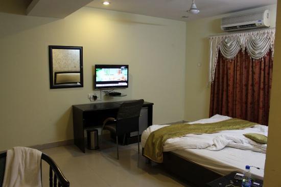 Hotel SG Comforts : TV