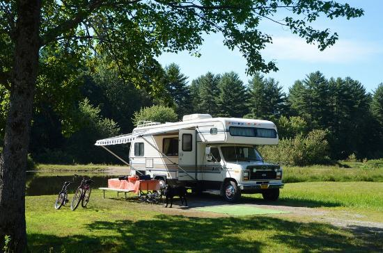Lake George Escape Campground: Campsite