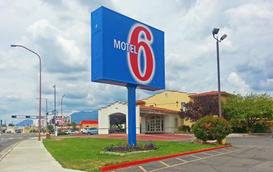 Motel 6 Albuquerque - I-40 - San Mateo : Exterior